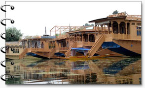Kashmir Houseboats Tour